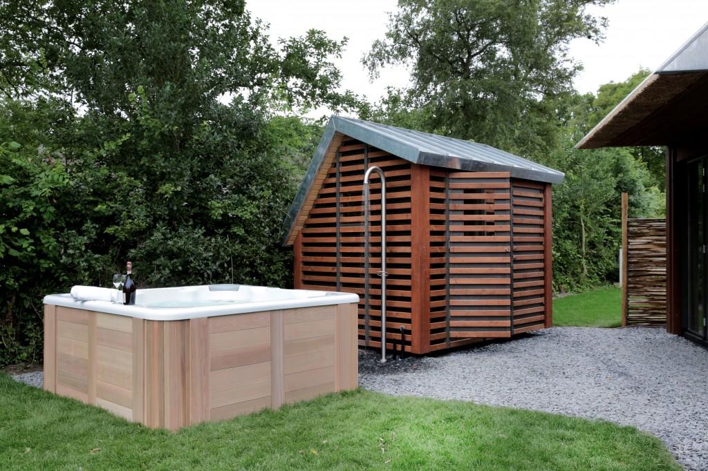 Jacuzzi-Sauna-1024x682