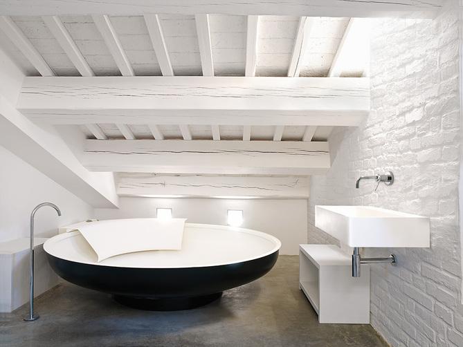 UFO badekar fra Agape Design
