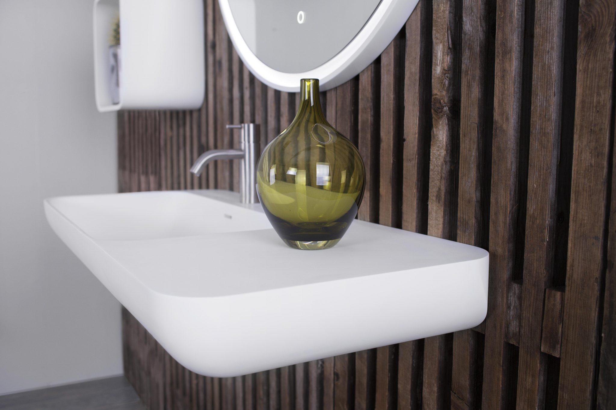 en-90-left-wash-basin-from-copenhagen-bath_27145668411_o